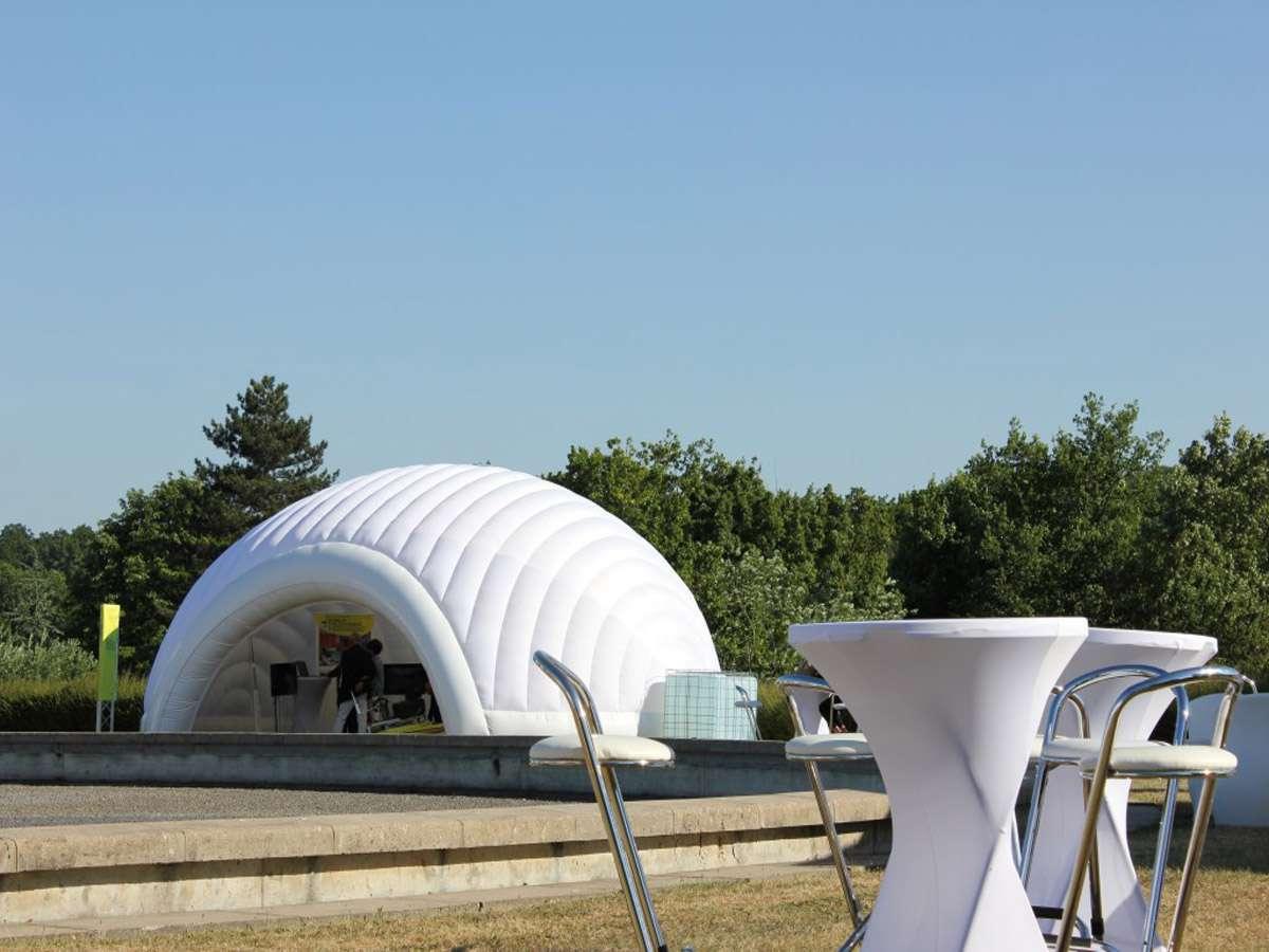 location igloo gonflable ev nementiel maxi. Black Bedroom Furniture Sets. Home Design Ideas