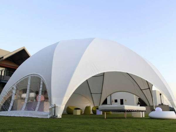 Tente dôme