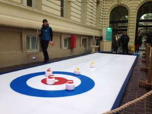 Piste de curling synthétique